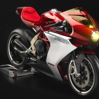 MV Agusta Superveloce 800 front right