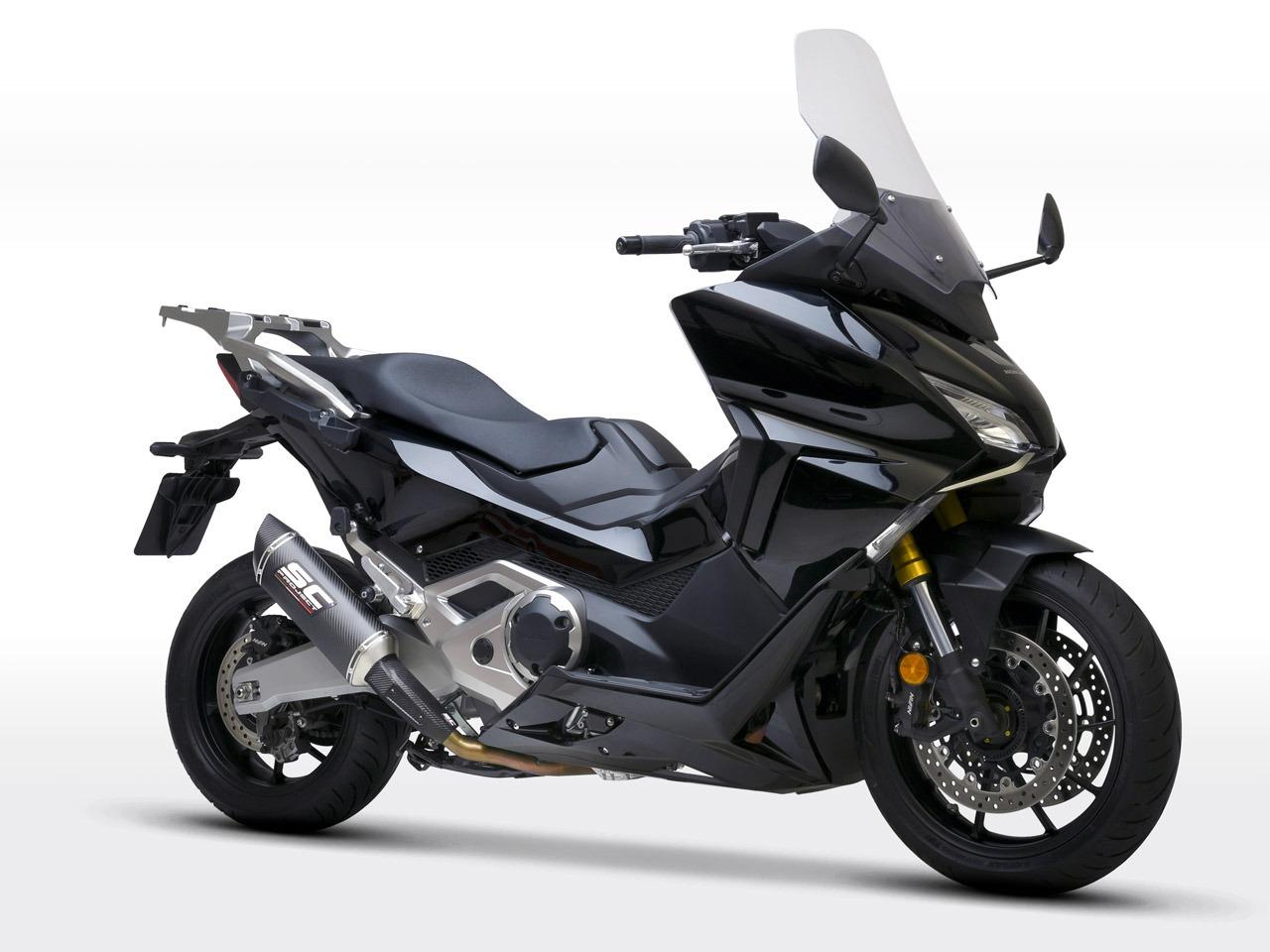 Honda_Forza750_my2021_SC1S-Carbonio_3-4Anteriore_1280x960px_web-partnership