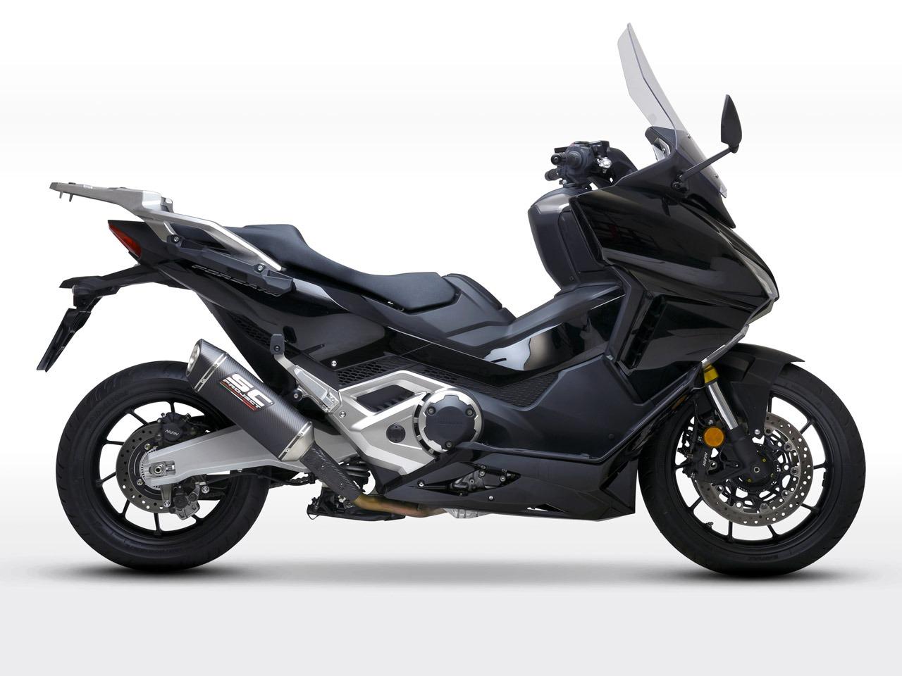 Honda_Forza750_my2021_SC1S-Carbonio_Lato_1280x960px_web-partnership
