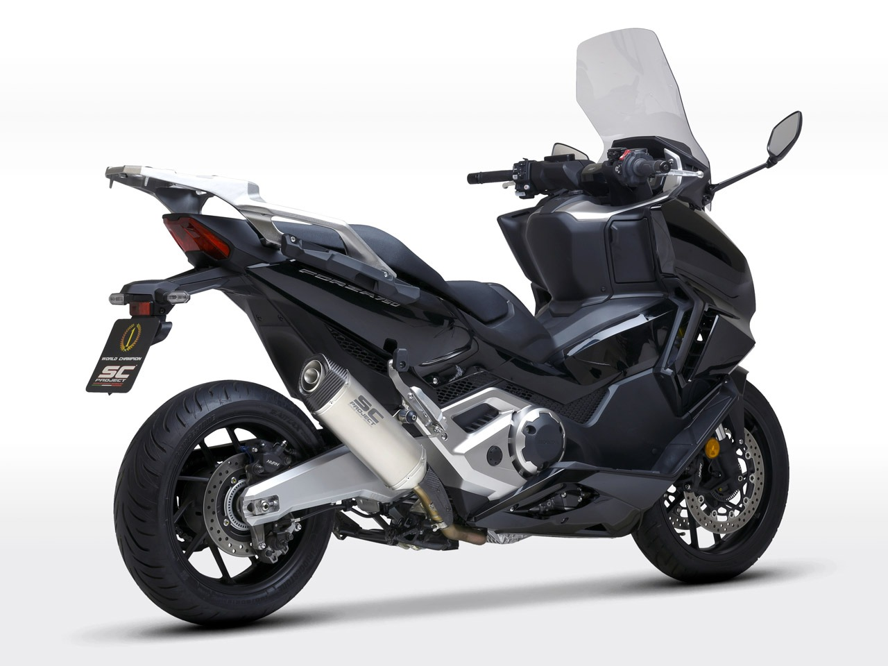 Honda_Forza750_my2021_SC1S-Titanio_3-4Posteriore_1280x960px_web-partnership