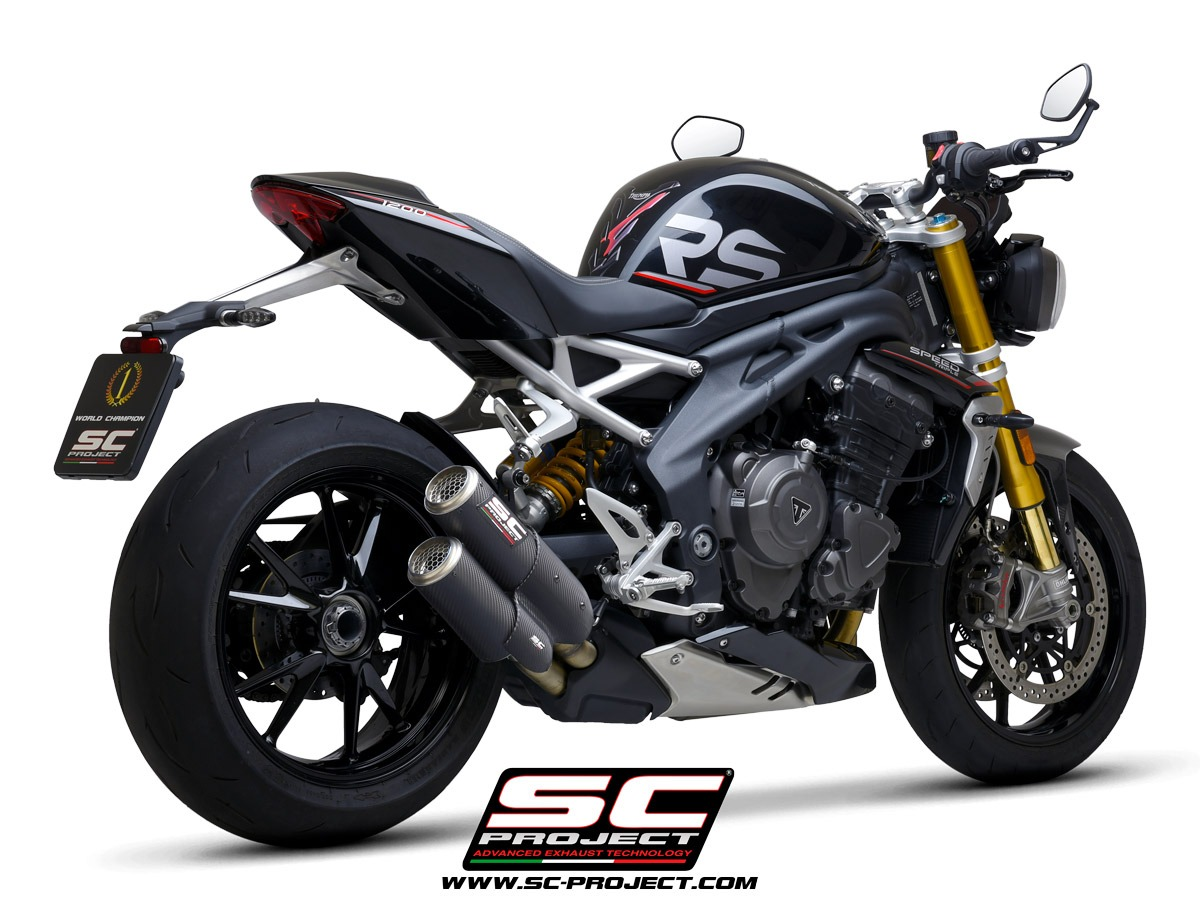 Triumph-Speed-Triple-RS1200_my2021_Twin-CRT_Carbonio_3-4Posteriore